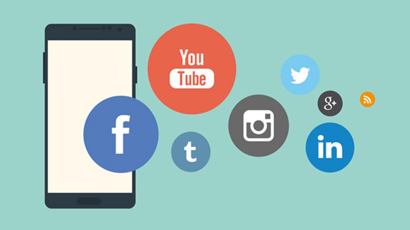 Pastikan Anda share ke sosial media dan forum komunitas secara selektif tanpa spam